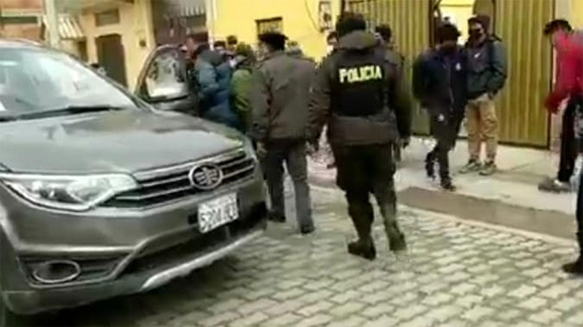Delincuentes armados roban $us 250.000 de empresa importadora de vehículos  en El Alto | T-Informas